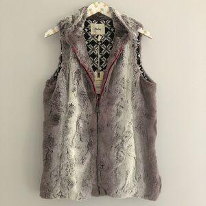 NWT Hatley Faux Fur Zip Up Vest